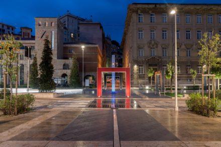 Vista notturna Piazza Verdi a La Spezia