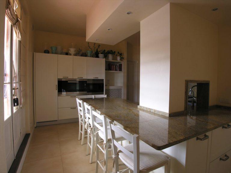 Cucina. Ristrutturazione di appartamento civile abitazione a Prato