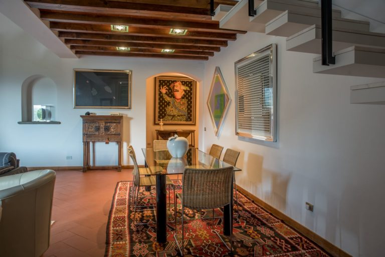 Salone. Disegno di interni per appartamento in villa a Maiano