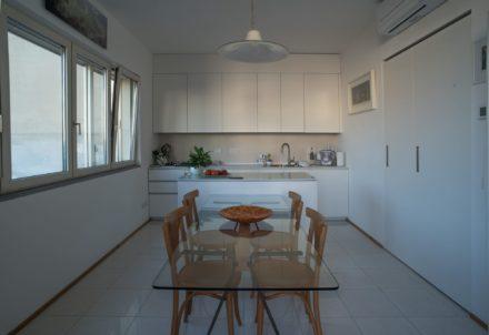 Cucina. Ristrutturazione di appartamento civile abitazione a Firenze