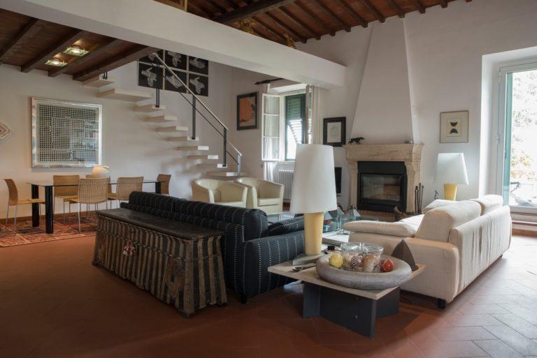 Disegno di interni per appartamento in villa a Maiano