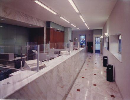 Risultato finale, vista degli interni. Ristrutturazione Banca Toscana Impruneta