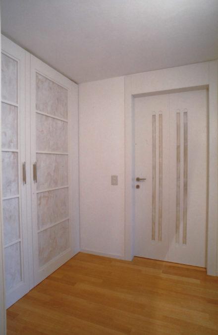 Porte. Progettazione d'interni per casa colonica a Montale.