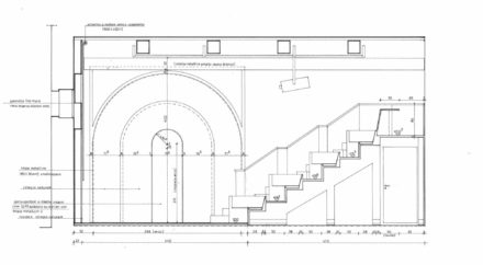 Sezione verso la porta. Design d'interni per sala multimediale Fattoria di Celle, Santomato